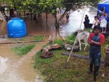 10 poblados afectados por crecida del río Guariviara, en la Comarca Ngäbe Buglé