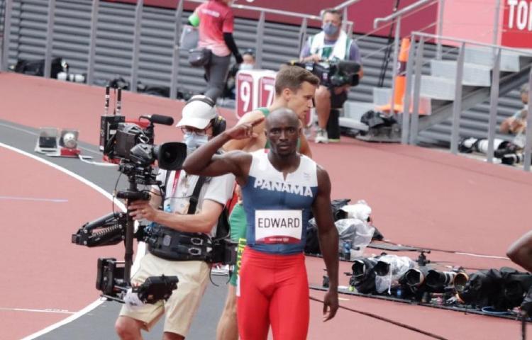 Alonso Edward listo para las semifinales de los 200 metros planos