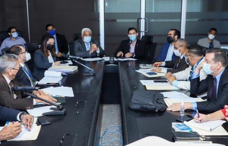 Se reune Mesa Técnica para discutir proyecto que regula conflicto de intereses