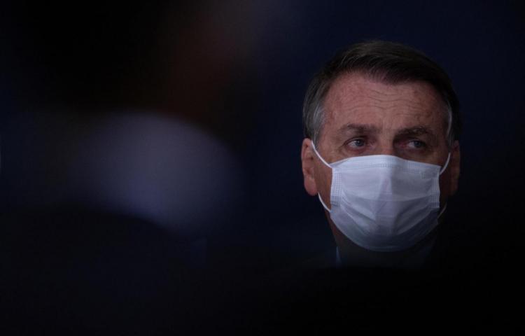 Bolsonaro desafía a la Justicia y pregunta si allanarán su residencia