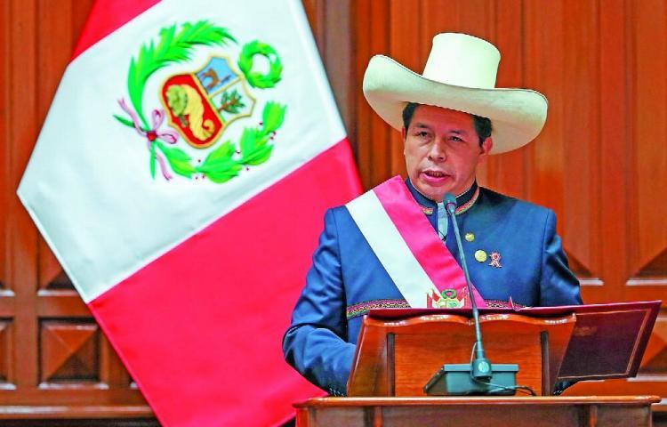 Castillo afirma que la próxima semana habrá sorpresas con el gas en Perú