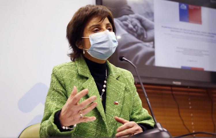 La exitosa gestión chilena de la covid tiene detrás a una mujer, Paula Daza