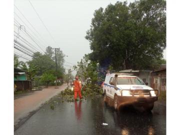 """Seguirán las intensas lluvias por el paso de la """"Onda Tropical #32"""""""