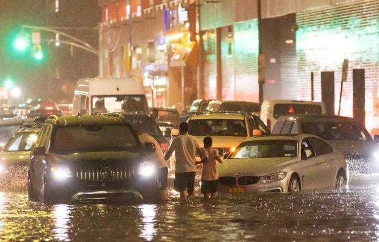 Ida deja al menos 25 muertos por inundaciones en Nueva York