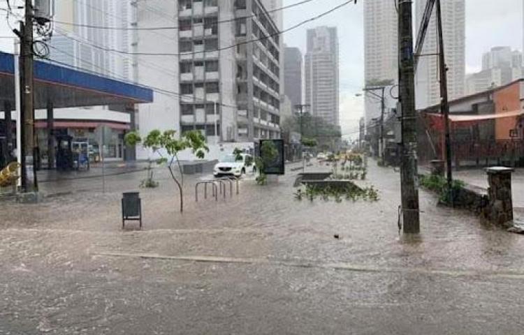 Sinaproc pone sobre aviso posibles lluvias y tormentas hasta el miércoles