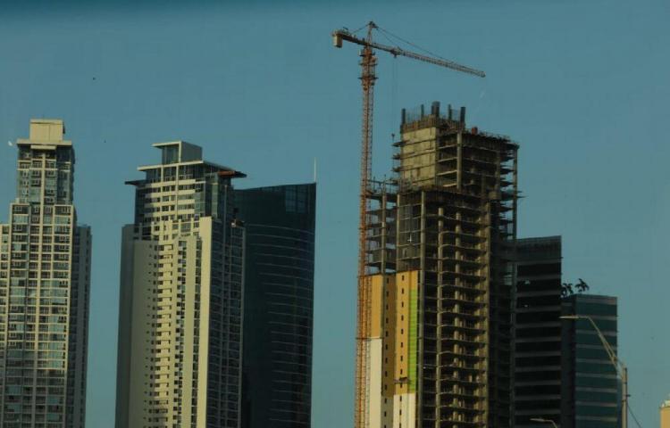 Falta de inversión mantiene paralizadas las construcciones