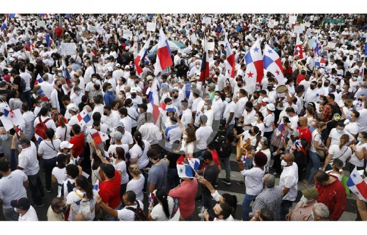 Multitudinaria marcha. Rechazan modificaciones del proyecto de reformas electorales