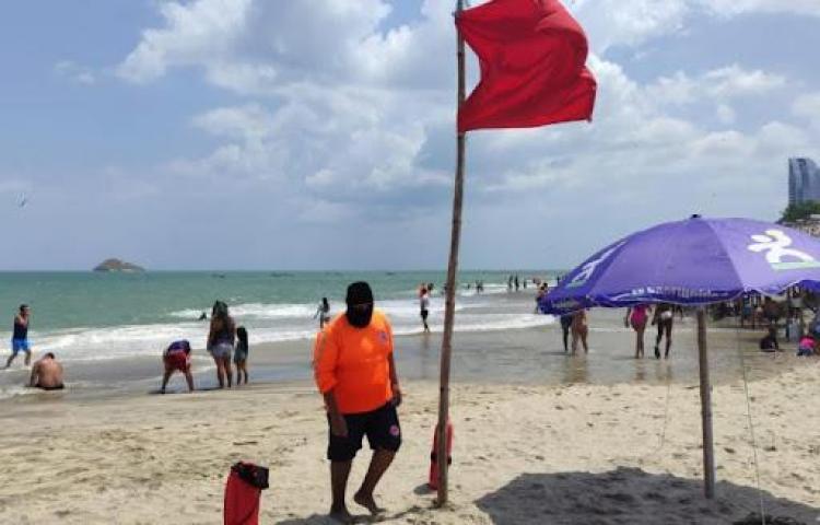 Aviso de prevención por mareas altas