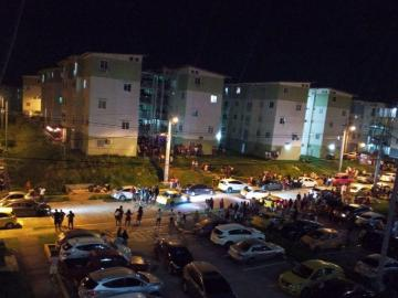 Lanzaron objetos contra policías en Villa Luzmila en Colón durante captura