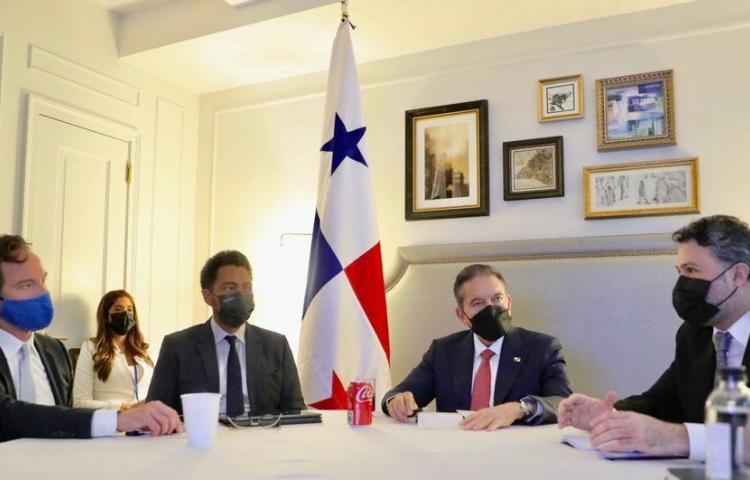 Principales fondos de inversión miran hacia Panamá