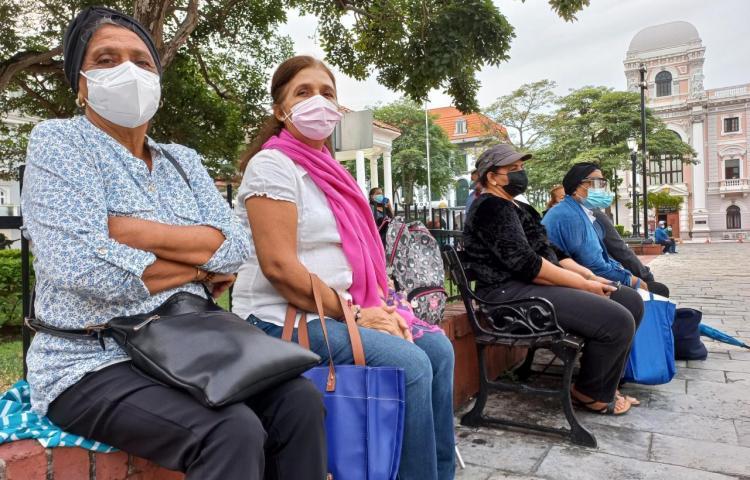 Víctimas de un jarabe tóxico en Panamá piden mejor atención médica y social