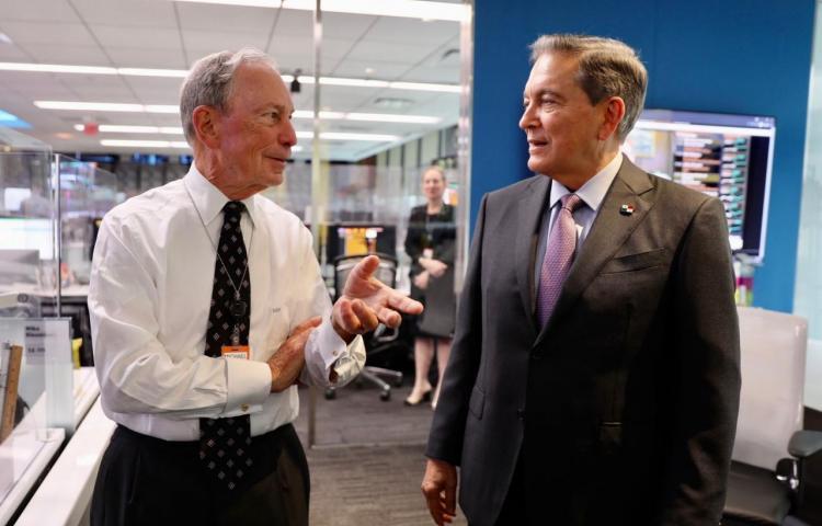 Cortizo se reúne con Bloomberg y acuerda alianza estratégica para Panamá