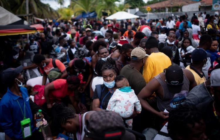 19 mil migrantes en espera para pasar a Panamá