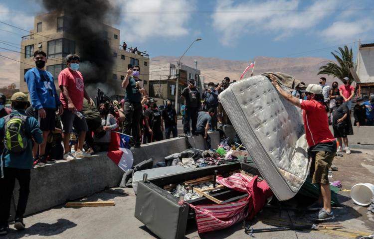 Disturbios en una marcha contra la migración irregular en el norte de Chile