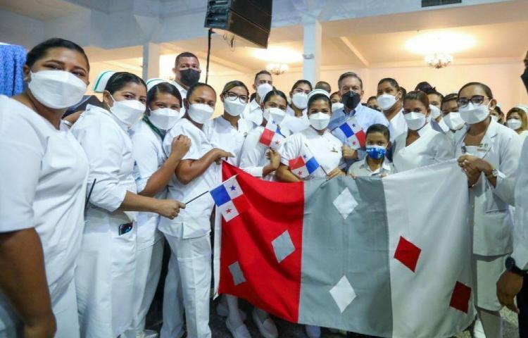 Realizan homenaje a enfermeras y técnicos del interior del país
