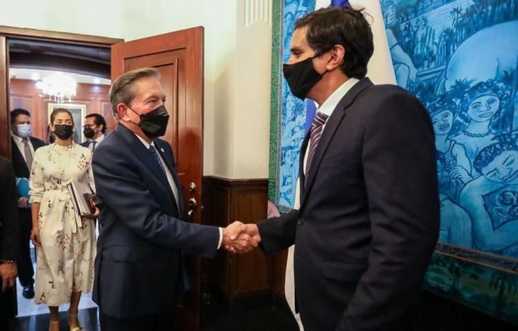 Cortizo y asesor de Biden hablan sobre inversiones sostenibles en Panamá