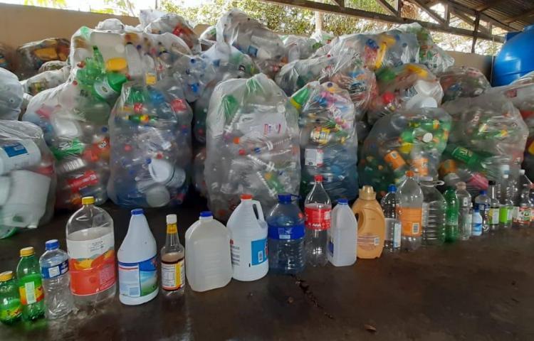 Más de un millón de botellas son recicladas por pedregaleños