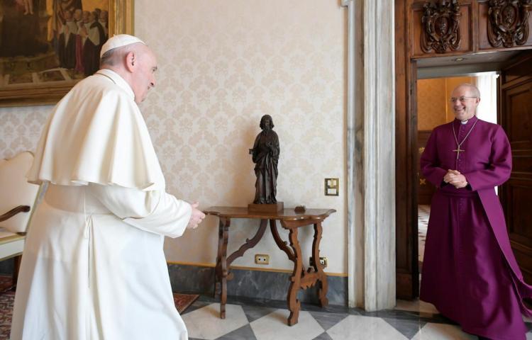 El papa expresa su dolor por las 330 mil víctimas de abusos sexuales en la iglesia francesa