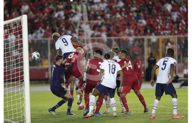 Panamá logra triunfo al ganar 1-0 ante Estados Unidos