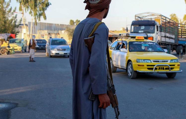 Afganistán, un país sin ayuda al borde del colapso sanitario y financiero