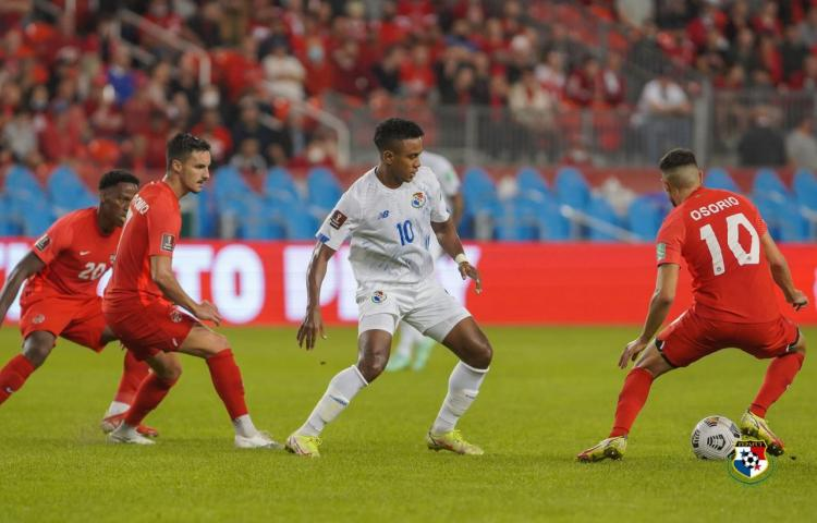 Canadá golea a Panamá 4 - 1 y escala al tercer lugar
