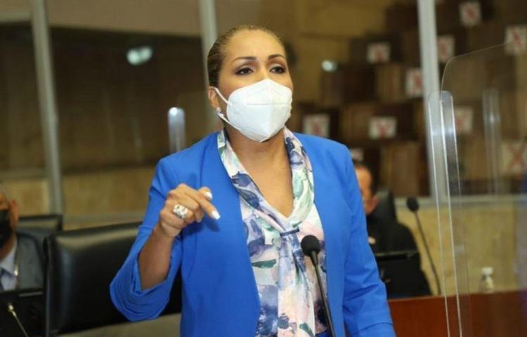 Diputada Ábrego advierte que no permitirá alianza deRoux con los panameñistas