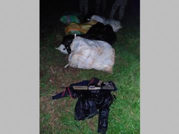 Hallaron más de 400 paquetes de droga en Playa Dorada