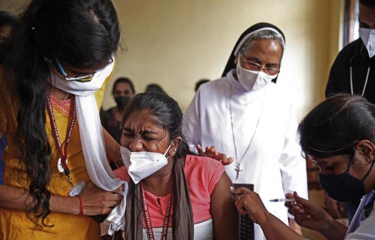La India registra la cifra más baja de casos por covid-19 en casi ocho meses
