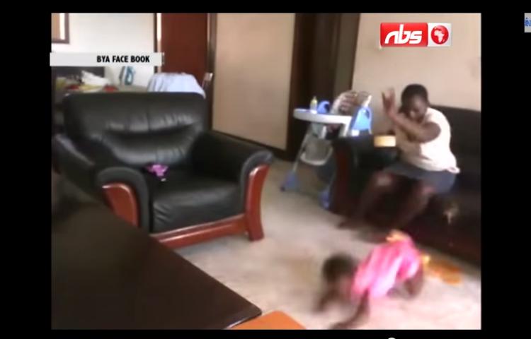 Ni U00f1era Maltrata A Una Beb U00e9 De 18 Meses En Uganda