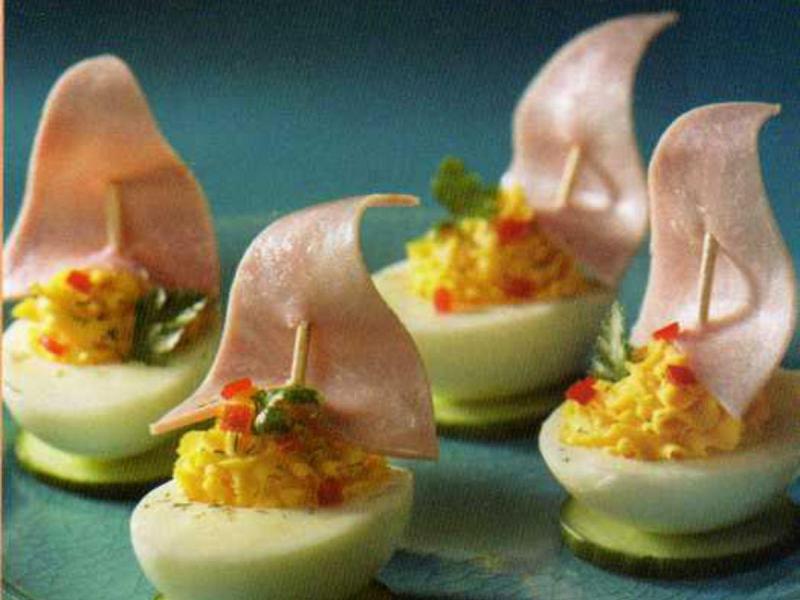 Barquitos de huevos una receta para ni os a partir de un for Huevo en el ano