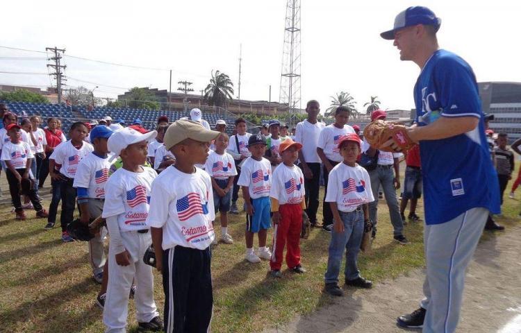 Guthrie compartió con los niños